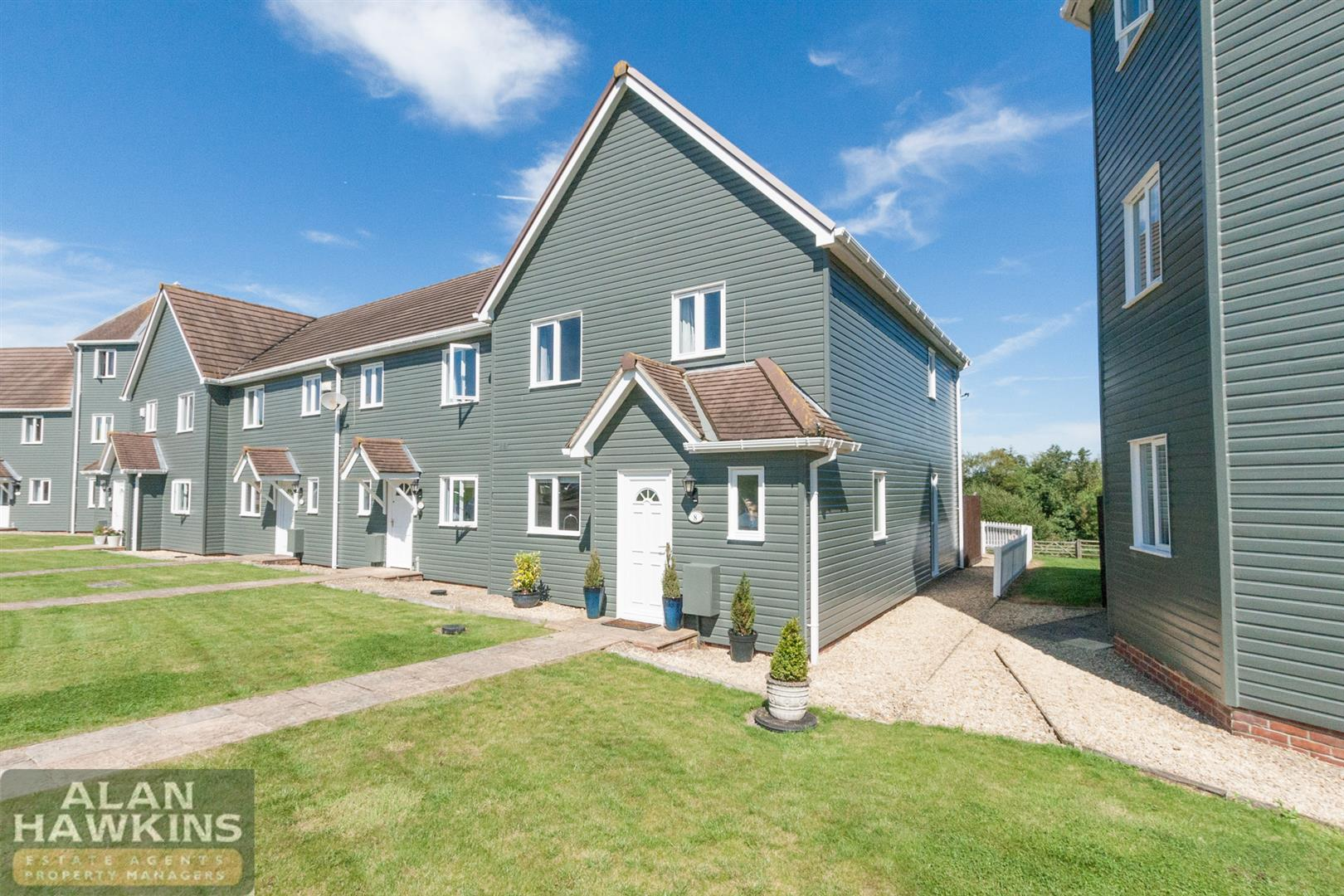 3 Bedrooms End Of Terrace House for sale in Wiltshire Crescent, Royal Wootton Bassett